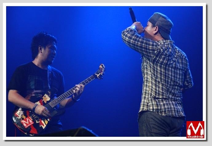 Fadly dan Iwan Gitaris Saint Loco